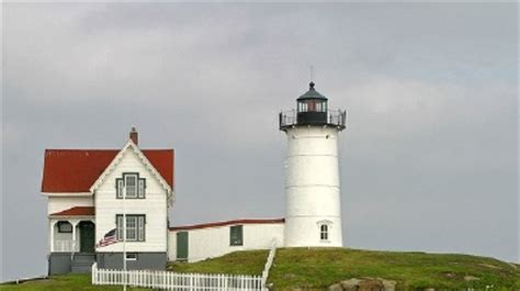 Cape Neddick Light by Cape Neddick Lighthouse Howstuffworks