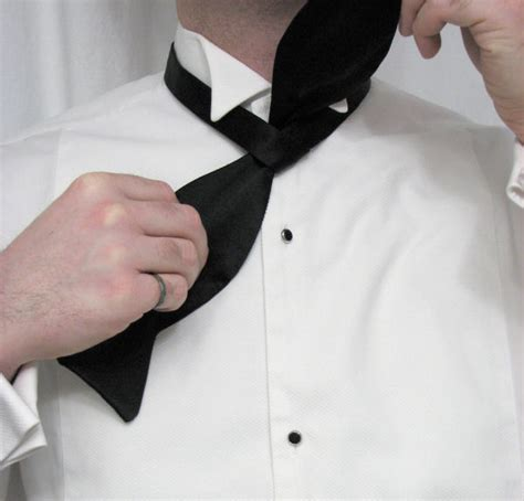 Drape Ties Black Tie Guide Style Tying A Bow Tie