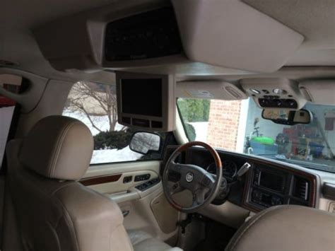 how make cars 2004 cadillac escalade ext interior lighting buy used 2004 cadillac escalade ext black with beige interior video entertainment system in
