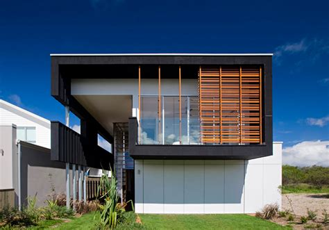 casual and comfortable black house sheoak by base
