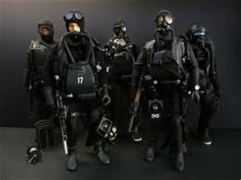 navy seal dive gear navy seals in dive gear with suits rebreathers
