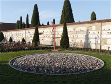 giardino delle rimembranze una scultura di pietro consagra nel giardino delle