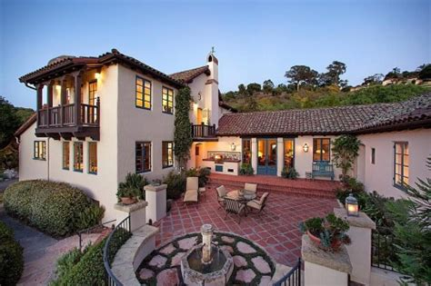 spanish mission style courtyard home books worth spanish style homes for american dream builders fans