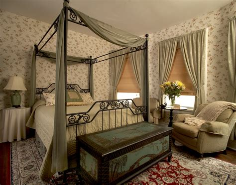 victorian style bedrooms decorate room with victorian style room decorating ideas