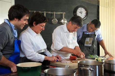 les ecoles de cuisine en bon cadeau stage de cuisine 2 jours