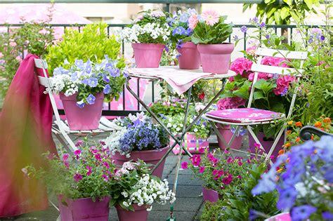 fiori in balcone il balcone un fantastico angolo di relax charme and more
