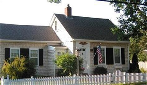 this cape cod style home has had additions for more space 17 best images about cape cod style homes on pinterest