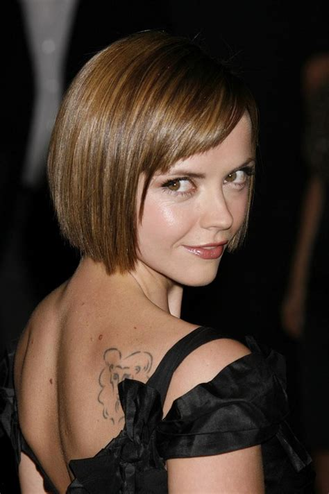 what to do with chin length hair when cing smooth chin length bob with honey and caramel highlights