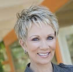 coupe de cheveux tres court femme 50 ans my