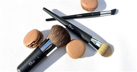 by terry eyelid color brush precision 2 beautycom art this is art dior makeup brushes
