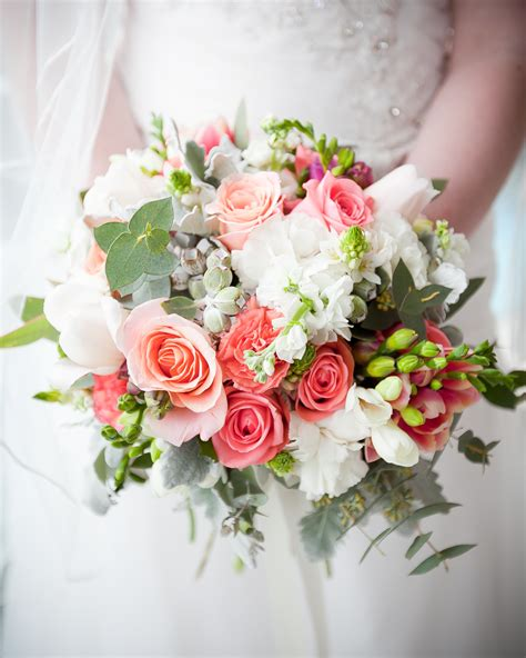 wedding flower coral and pink wedding flowers brisbane wedding florist