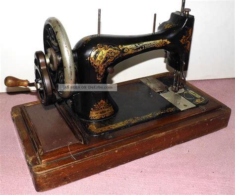 antike singer nähmaschine nachla 223 antike singer n 228 hmaschine handkurbel im holz koffer