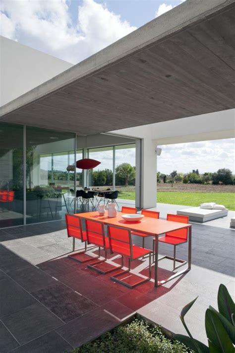 rumah minimalis menyatu alam sekitarnya konsep desain rumah