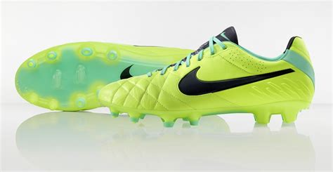 Sepatu Sepakbola Nike Tiempo Ligera Iv Fg Hitam nike tiempo legend hi vis