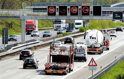 Baustellenschild Geschwindigkeit elektronische digitale autobahnschilder verkehrstalk foren