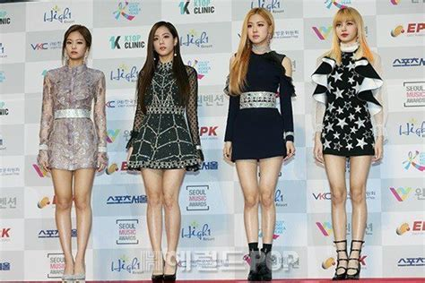 blackpink awards 170119 blackpink 2017 seoul music awards red carpet