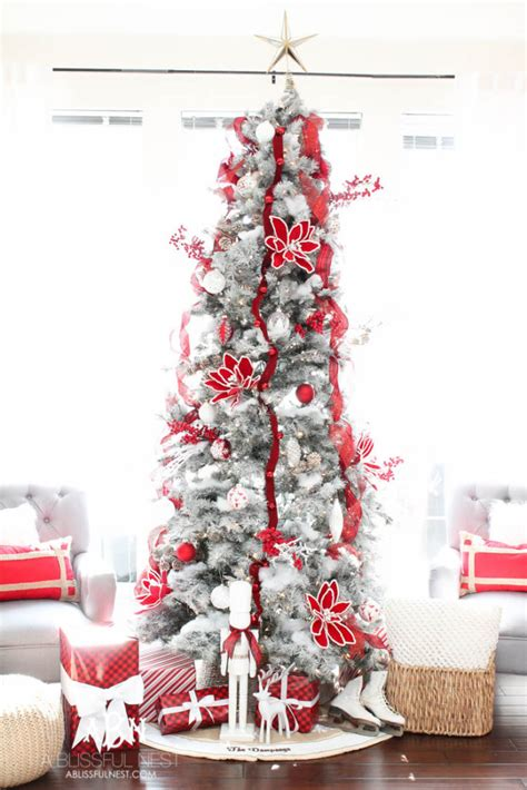 classic red  white tree christmas tree decorating ideas