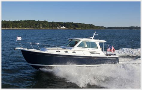 modern boat maine boats homes harbors show reveals what goes into a