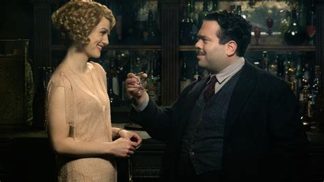 fantastic beasts and where to find them the illustrated collector s edition harry potter books dan fogler explains the fantastic beasts and where to find