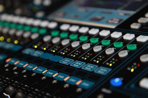 Mixing Console allen heath qu 32 digital mixing console pro audio