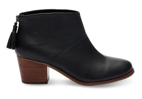 Boots Hitam Leather Grain Size 35 boots toms black grain leather s leila booties black sy comunicacion