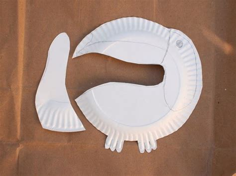 crafts out of paper plates best 25 toucan craft ideas on rainforest