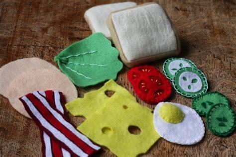 melissa doug felt play food sandwich set toy