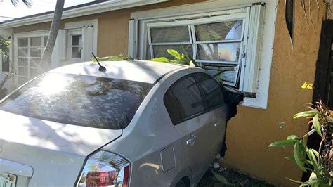 car crashes into house car crashes into house in deerfield beach