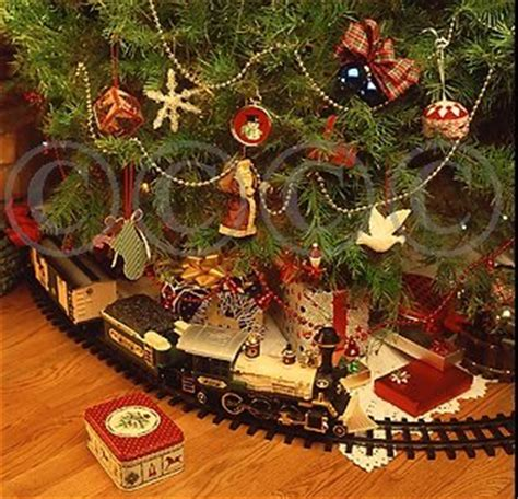 polar express christmas tree train set trainsets for time for the holidays