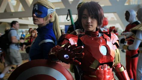 choose side team cap team iron man cosplay