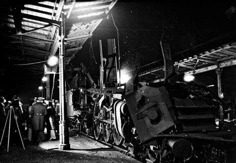 Auto Verschrotten Innsbruck by Train Accident Bitterfeld 1977 Derailed Pinterest