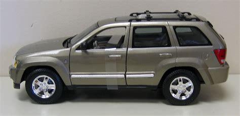 2005 Jeep Grand Models 2005 Jeep Grand Diecast Model Car Suv Truck 1