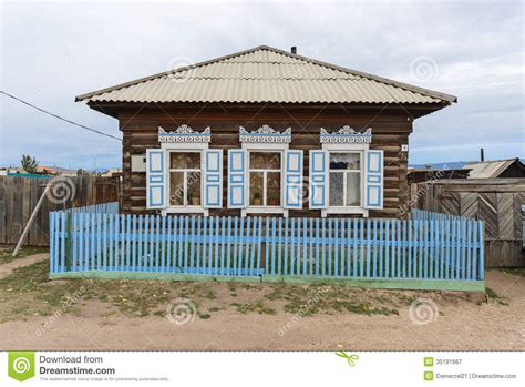 russisches holzhaus traditionelles russisches holzhaus stockbild bild 35191667