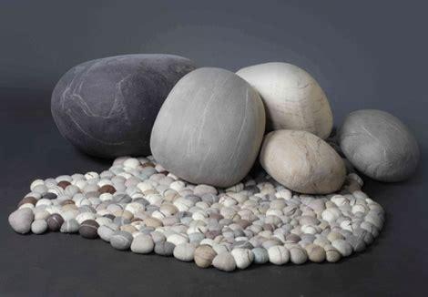 Tere Puff pebble rug