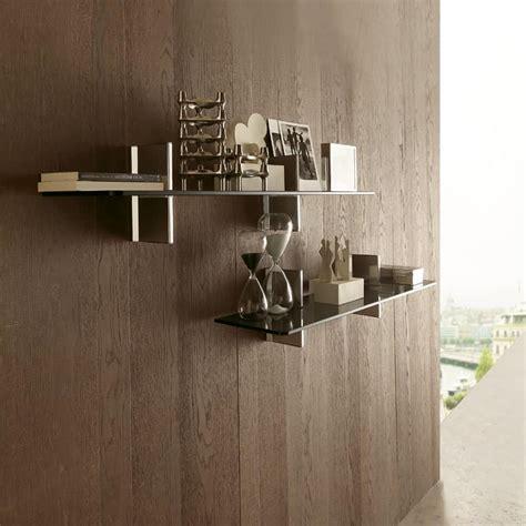 mensole design a muro mensola lineare in cristallo con supporto a muro idfdesign