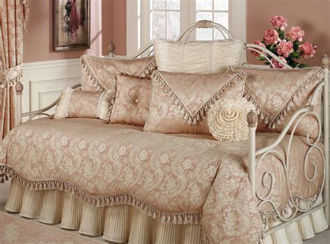 Daybed Bedding Sets Clearance Stylish Trundle Day Bed Stylish Bed Sets