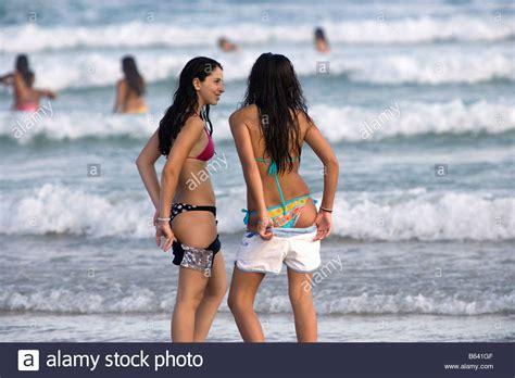 sao paulo brazil beach girls brazil sao paulo nice looking girls at beach at praia