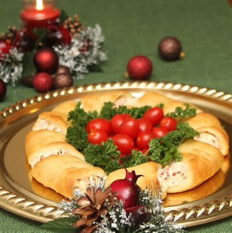 holiday appetizers christmas wreath crescent rolls appetizer recipes just