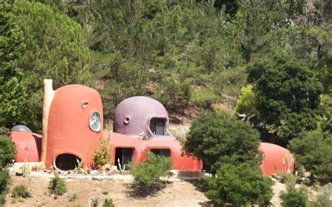 flinstones house yabba dabba do the flintstone house is finally in