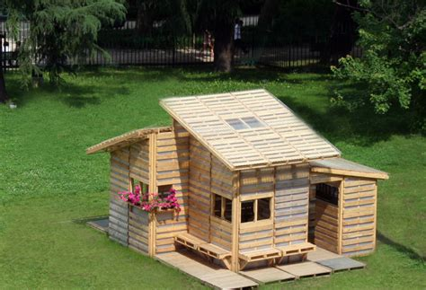 plans to make a pallet house the pallet house i beam
