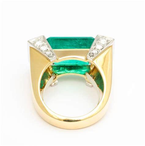 rectangular cut emerald gold platinum geometric