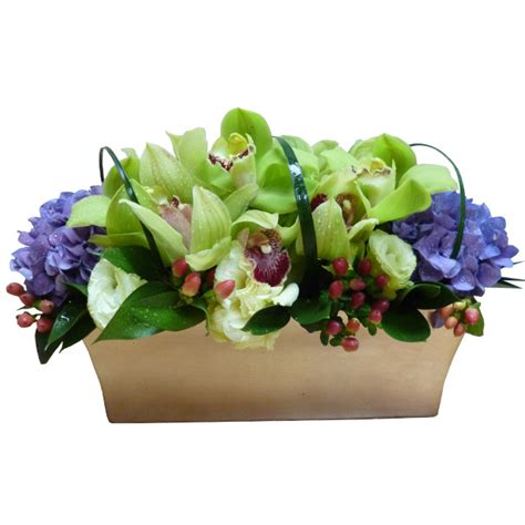 Gift Large 9448 arrangement in container singapore singapore deliveries