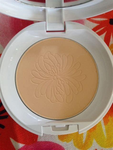 Paul Joe Compact Powder paul joe le silky pressed powder 2016 never