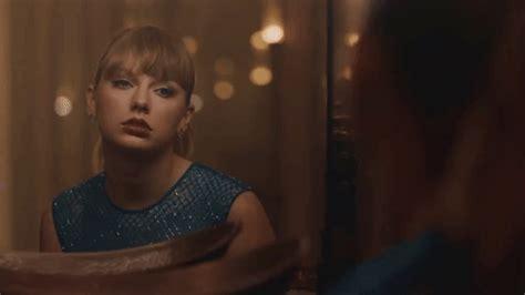 taylor swift delicate music video lyrics taylor swift debuts delicate music video and it s vintage