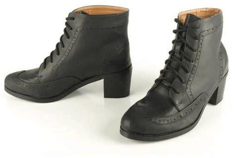osta sthlm dg boots ruskeat keng 228 t brandos fi
