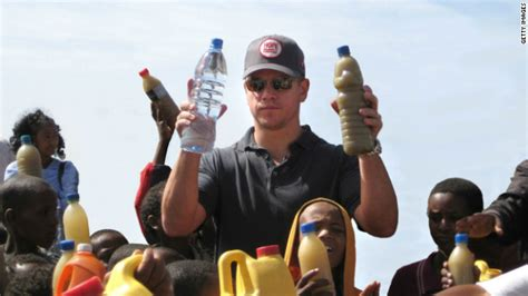 matt damon charity water matt damon tackles africa s water crisis borgen
