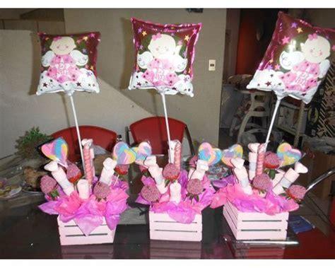 arreglos de mesa para bautizo con golosinas decoracion de canastas para dulces buscar con topiarios mesas and search