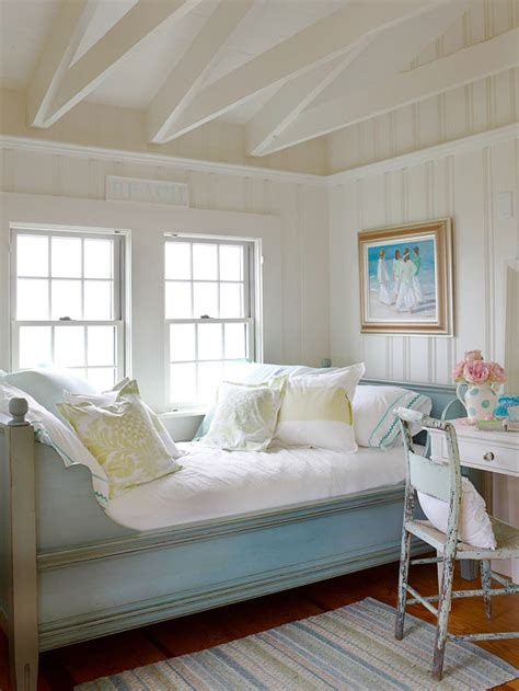beach cottage bedrooms mix and chic cottage style decorating ideas
