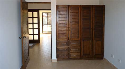 placard de chambre en bois costa rica immobilier condo firesale 1 appartement neuf