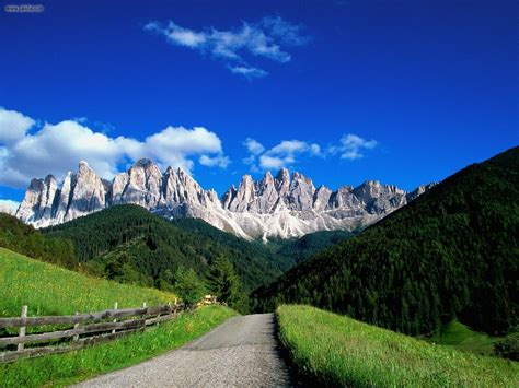 dolomite mountains italy picture dolomite mountains italy nature dolomite mountains italy picture nr 19777